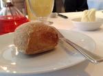 ここはパンが本当に美味しい〜。私はクルミパン(この後にレーズンのも)